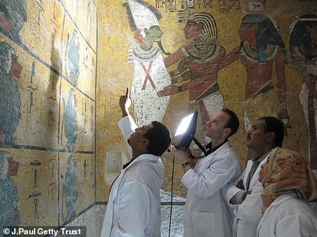 Bên trong hầm mộ bí ẩn của pharaoh nổi tiếng nhất vương triều Ai Cập - Ảnh 8.