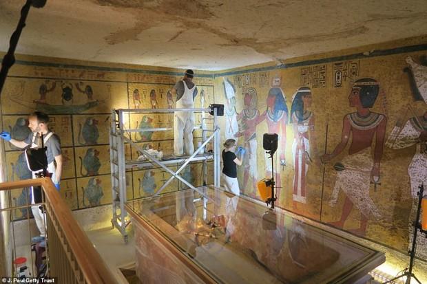 Bên trong hầm mộ bí ẩn của pharaoh nổi tiếng nhất vương triều Ai Cập - Ảnh 10.