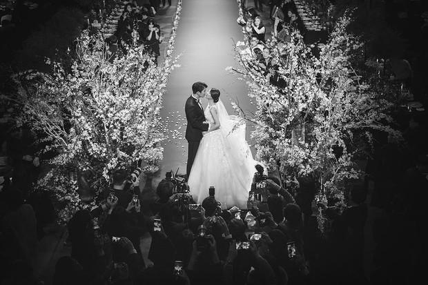 Đám cưới hot nhất đầu năm: Ji Chang Wook để mặt mộc đến dự, bộ tứ 4 chàng quý tử tái ngộ sau 10 năm - Ảnh 1.