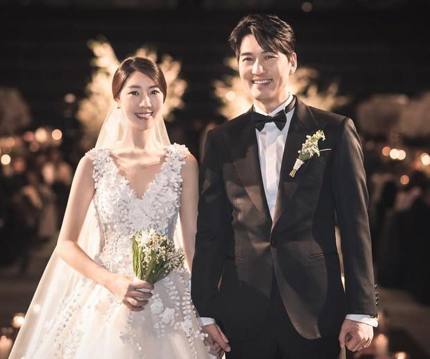 Đám cưới hot nhất đầu năm: Ji Chang Wook để mặt mộc đến dự, bộ tứ 4 chàng quý tử tái ngộ sau 10 năm - Ảnh 4.
