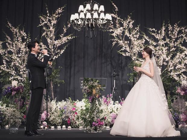 Đám cưới hot nhất đầu năm: Ji Chang Wook để mặt mộc đến dự, bộ tứ 4 chàng quý tử tái ngộ sau 10 năm - Ảnh 3.