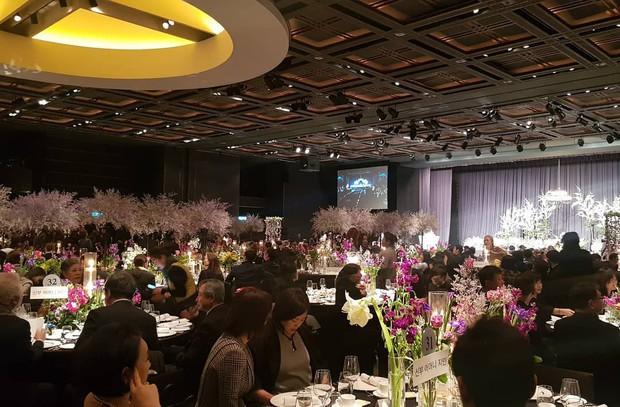 Đám cưới hot nhất đầu năm: Ji Chang Wook để mặt mộc đến dự, bộ tứ 4 chàng quý tử tái ngộ sau 10 năm - Ảnh 12.