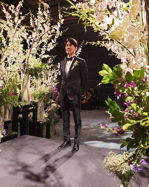 Đám cưới hot nhất đầu năm: Ji Chang Wook để mặt mộc đến dự, bộ tứ 4 chàng quý tử tái ngộ sau 10 năm - Ảnh 21.