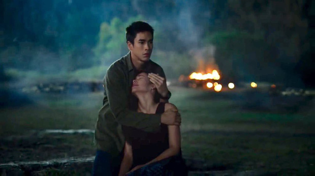Thổn thức tâm can với chuyện tình yêu từ trong phim đến đời thực của cặp đôi Nữ Thần Rắn 2 - Ảnh 3.