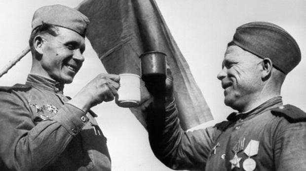Quân đội Nga đã chống lại chứng nghiện rượu như thế nào? - Ảnh 1.