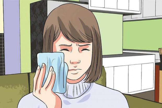 Đây là những cách hữu hiệu giúp bạn giảm bớt cơn đau khi mọc răng khôn - Ảnh 2.