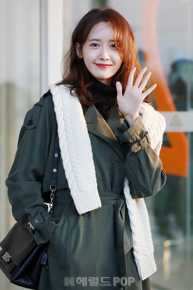 Mấy ai bì được đẳng cấp của nữ thần Yoona: Đẹp xuất thần đến mức biến loạt ảnh phóng viên chụp thành bìa tạp chí - Ảnh 4.