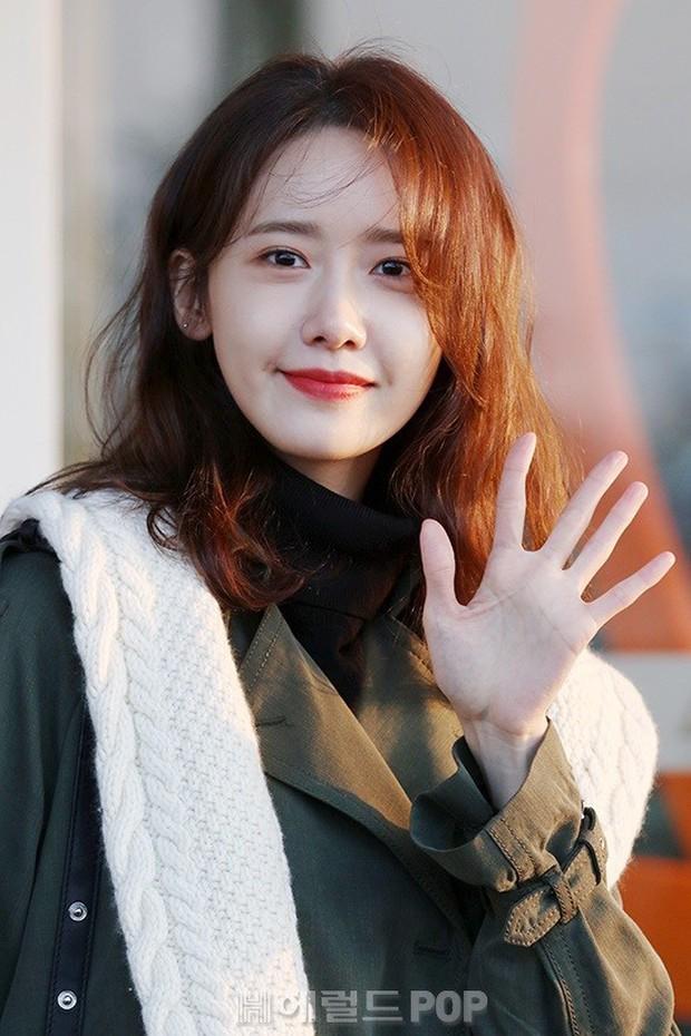 Mấy ai bì được đẳng cấp của nữ thần Yoona: Đẹp xuất thần đến mức biến loạt ảnh phóng viên chụp thành bìa tạp chí - Ảnh 8.