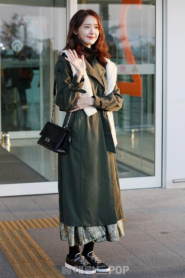 Mấy ai bì được đẳng cấp của nữ thần Yoona: Đẹp xuất thần đến mức biến loạt ảnh phóng viên chụp thành bìa tạp chí - Ảnh 2.