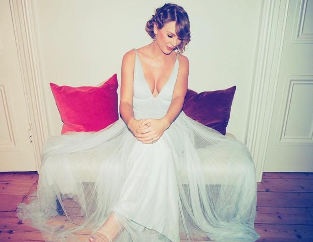 Hóa ra Taylor Swift vì bạn trai mà bỏ dự Grammy, đến Oscar Anh Quốc khoe vòng 1 bốc lửa khó tin - Ảnh 1.