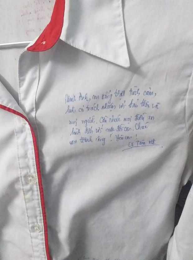 Vô tình tìm thấy chiếc áo đồng phục cũ, cậu bạn chia sẻ câu chuyện buồn của lớp mình khiến ai cũng bồi hồi - Ảnh 4.