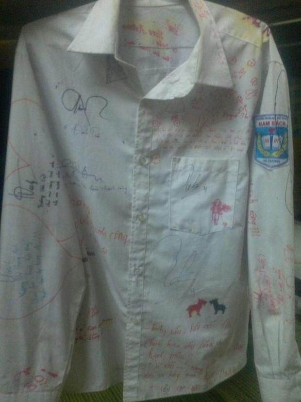 Vô tình tìm thấy chiếc áo đồng phục cũ, cậu bạn chia sẻ câu chuyện buồn của lớp mình khiến ai cũng bồi hồi - Ảnh 12.