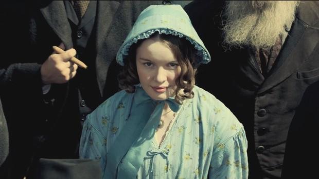 """Muôn màu Trang phục xuất sắc nhất Oscar 2019: Cuộc săn lùng ngai vàng của những bộ cánh thời """"ông bà anh"""" - Ảnh 11."""