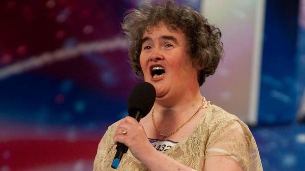 Xúc động khi nghe Susan Boyle thể hiện lại bản hit I Dreamed a Dream trên sân khấu Americas Got Talent - Ảnh 2.