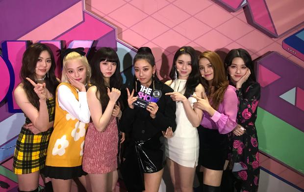 Bám sát thành tích của BTS và EXO rồi giật cúp đầu sau 4 năm debut, phải chăng thời của girlgroup này đang đến? - Ảnh 4.