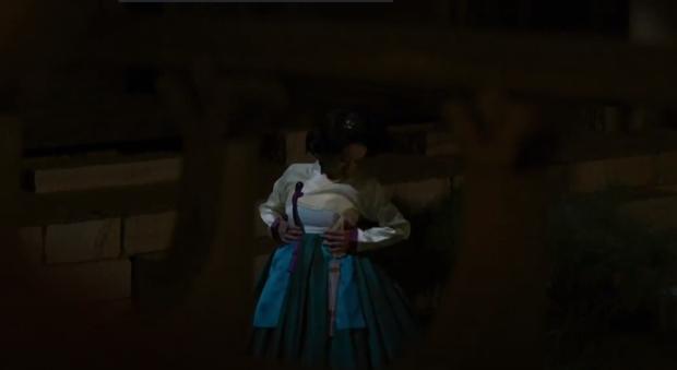 Ngoài xương sườn dao găm của Jung Il Woo, con ve chó của Go Ara là tâm điểm trong tập mở màn Haechi - Ảnh 8.
