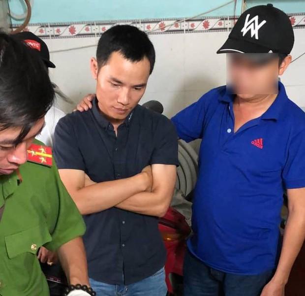 Bắt khẩn cấp đối tượng gửi micro gây nổ làm bị thương 2 mẹ con ở Sài Gòn chiều 29 Tết - Ảnh 1.