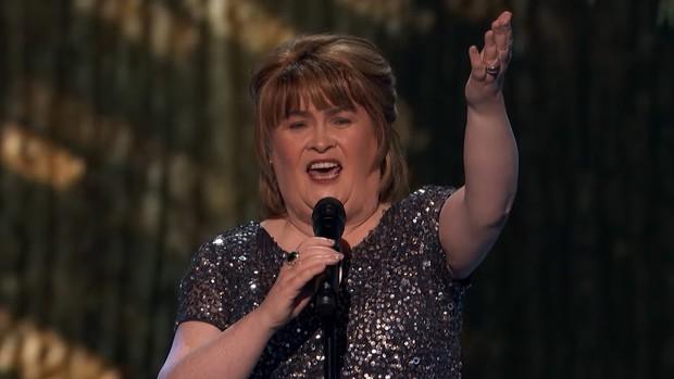 Xúc động khi nghe Susan Boyle thể hiện lại bản hit I Dreamed a Dream trên sân khấu Americas Got Talent - Ảnh 4.