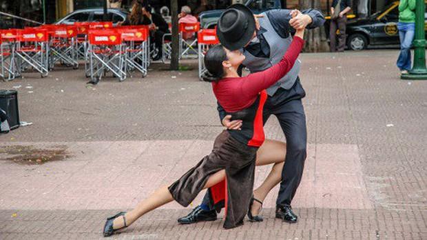 Điểm đến mùa Valentine: Hội An lọt top những địa điểm lãng mạn nhất thế giới do CNN bình chọn - Ảnh 11.