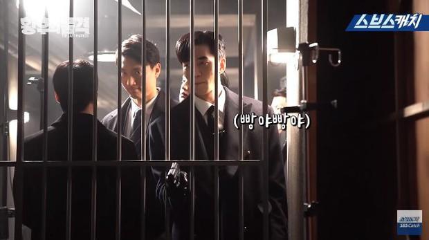 Clip hậu trường hài hước của The Last Empress: Jang Nara nhìn chồng cũ tô son ngỡ uống sữa dê? - Ảnh 7.