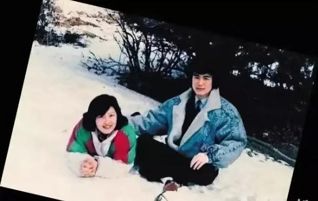 Tình yêu từ cái nhìn đầu tiên của vợ chồng MC nổi tiếng Trung Quốc: 30 năm trôi qua, chàng trai năm 18 tuổi vẫn luôn ở đó - Ảnh 2.
