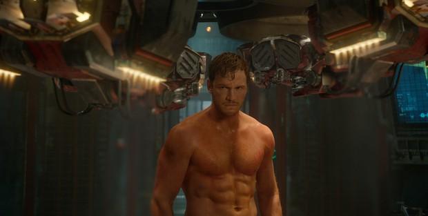 Brie Larson đẩy xe jeep nặng 2 tấn để tập luyện cho Captain Marvel, làm siêu anh hùng khổ thế sao? - Ảnh 4.