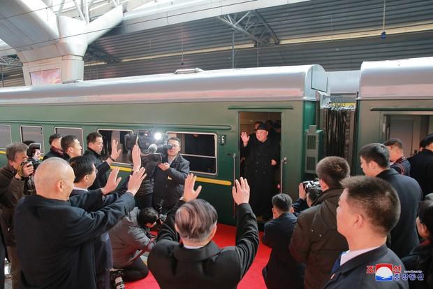 Tìm hiểu về đoàn tàu bọc thép đưa ông Kim Jong Un đến Việt Nam - Ảnh 10.
