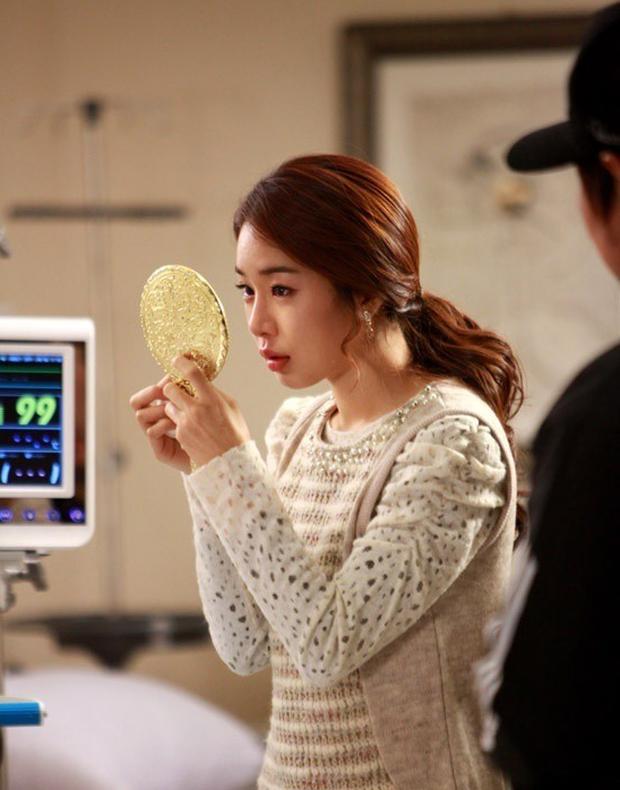 """Với Chạm Vào Tim Em, liệu Yoo In Na có xóa được """"dớp"""" chỉ nổi tiếng khi đóng vai phụ? - Ảnh 2."""