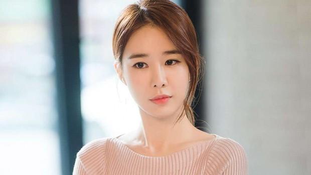 """Với Chạm Vào Tim Em, liệu Yoo In Na có xóa được """"dớp"""" chỉ nổi tiếng khi đóng vai phụ? - Ảnh 5."""