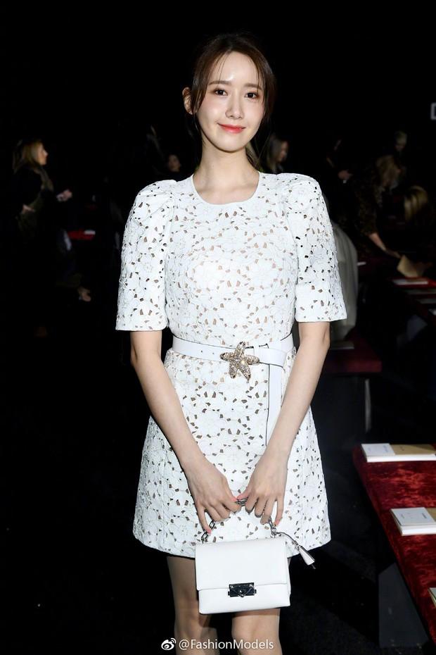 Choáng với hình ảnh của Yoona tại NYFW: thần thái thách thức cả trang phục kém xinh lẫn góc chụp dìm hàng - Ảnh 1.