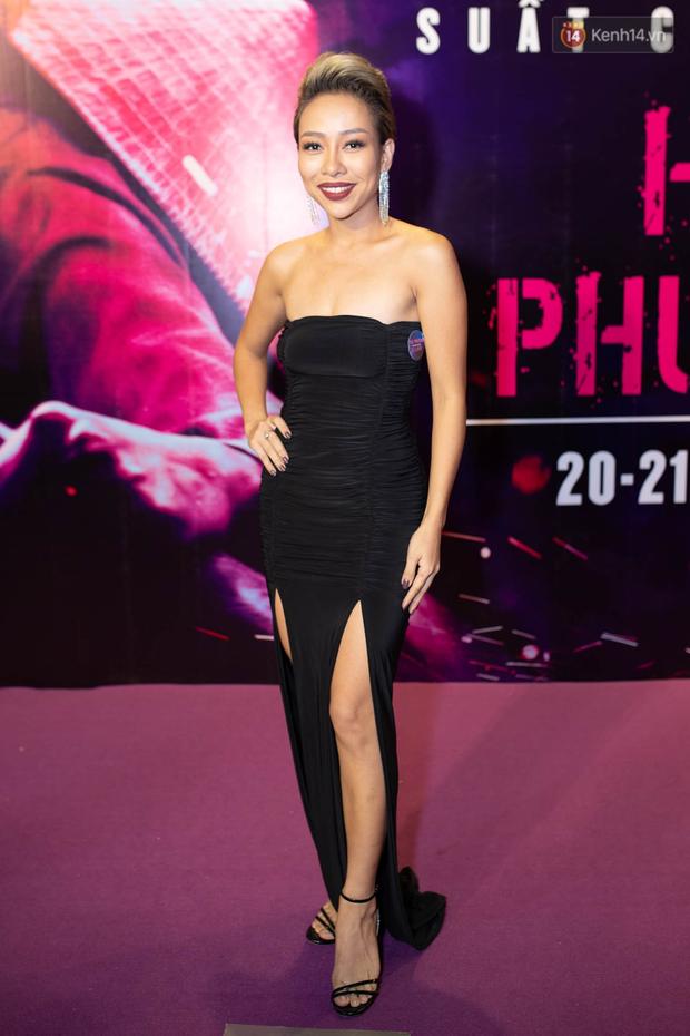 Tối 14/2, Ngô Thanh Vân tái ngộ tình cũ Johnny Trí Nguyễn tại buổi ra mắt phim hành động Hai Phượng - Ảnh 22.