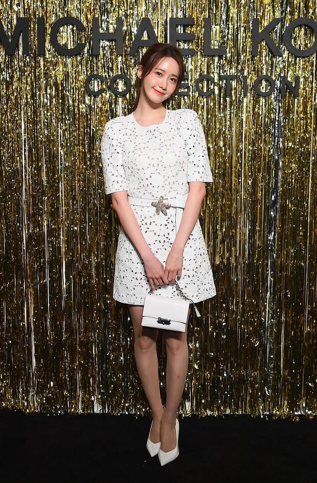 Choáng với hình ảnh của Yoona tại NYFW: thần thái thách thức cả trang phục kém xinh lẫn góc chụp dìm hàng - Ảnh 2.