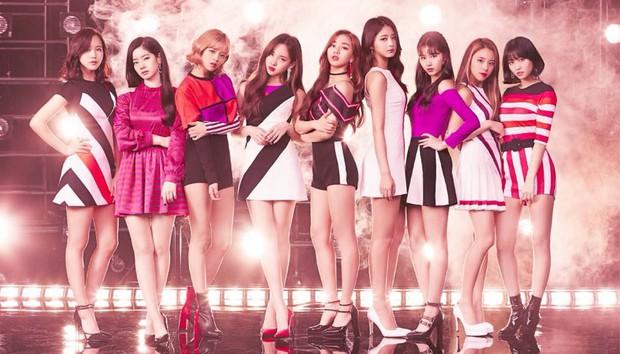 4 điểm trùng hợp bất ngờ của dàn em út vàng girlgroup nhà JYP: Visual hớp hồn, đến tuổi, phong cách cũng na ná - Ảnh 15.