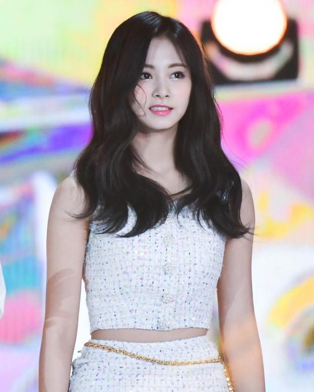 4 điểm trùng hợp bất ngờ của dàn em út vàng girlgroup nhà JYP: Visual hớp hồn, đến tuổi, phong cách cũng na ná - Ảnh 6.