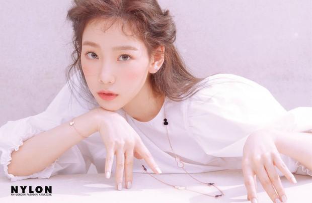 Ở tuổi 30, Taeyeon dọa soán ngôi nữ thần nhan sắc SNSD của Yoona nhờ bộ hình tạp chí mới đẹp như tiên tử - Ảnh 11.