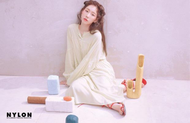 Ở tuổi 30, Taeyeon dọa soán ngôi nữ thần nhan sắc SNSD của Yoona nhờ bộ hình tạp chí mới đẹp như tiên tử - Ảnh 16.