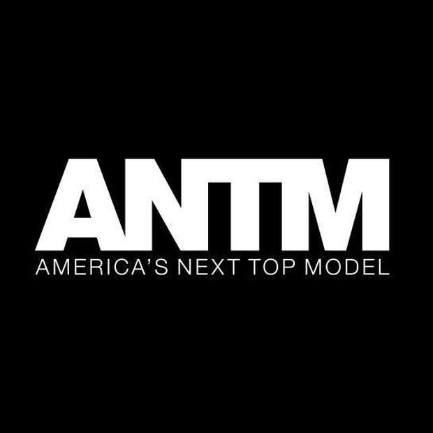 Vietnams Next Top Model chính thức quay trở lại vào năm 2019 nhưng logo mới trông hơi quen quen - Ảnh 4.