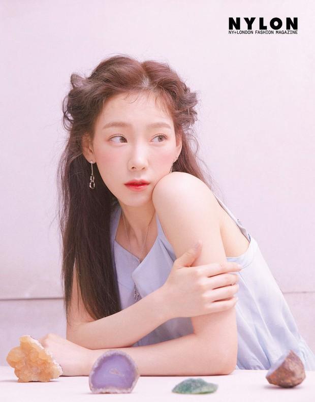 Ở tuổi 30, Taeyeon dọa soán ngôi nữ thần nhan sắc SNSD của Yoona nhờ bộ hình tạp chí mới đẹp như tiên tử - Ảnh 9.