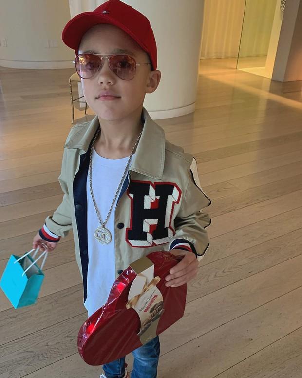 5 tuổi, con gái Kim Kardashian đã có bạn trai và còn được tặng trang sức, sô cô la vào ngày Valentine - Ảnh 1.