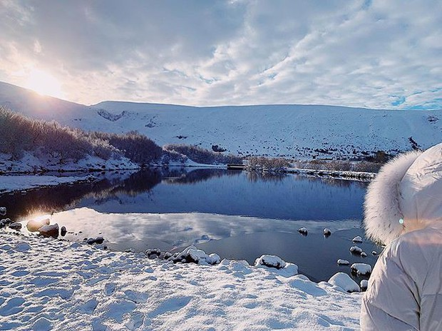 Bảo Anh và Hồ Quang Hiếu tiếp tục cùng đi du lịch Iceland, tình xưa đã nối lại? - Ảnh 3.
