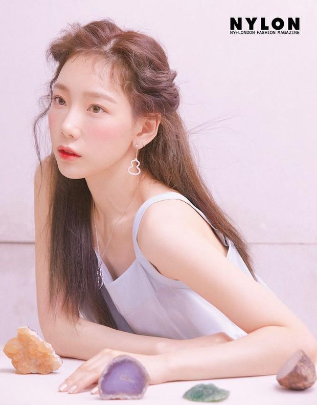 Ở tuổi 30, Taeyeon dọa soán ngôi nữ thần nhan sắc SNSD của Yoona nhờ bộ hình tạp chí mới đẹp như tiên tử - Ảnh 8.
