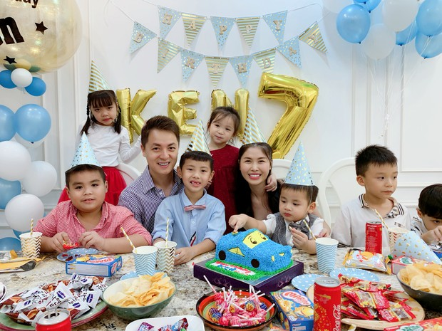 Dương Khắc Linh cùng bạn gái đến tiệc mừng quý tử nhà Đăng Khôi - Thủy Anh tròn 7 tuổi - Ảnh 8.