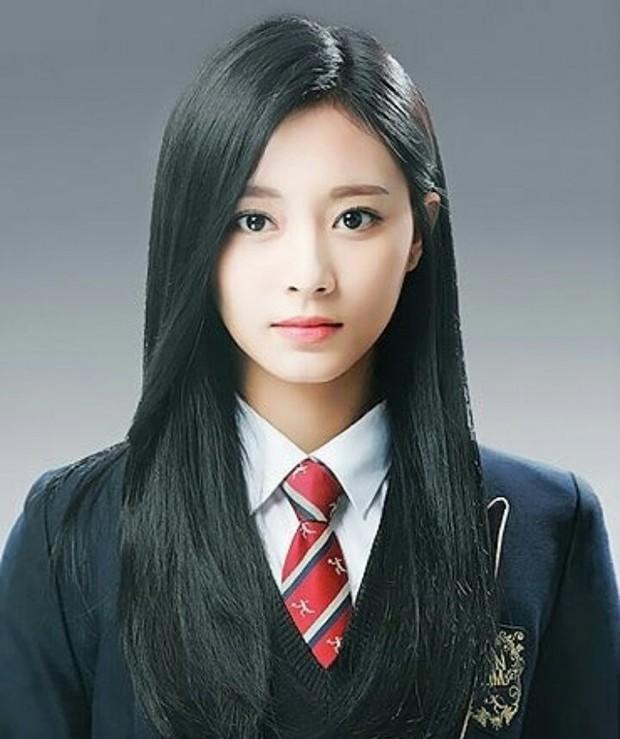Tìm ra nữ thần, nam thần của trường trung học nghệ thuật nổi tiếng xứ Hàn: Thì ra là mỹ nhân đẹp nhất thế giới! - Ảnh 1.