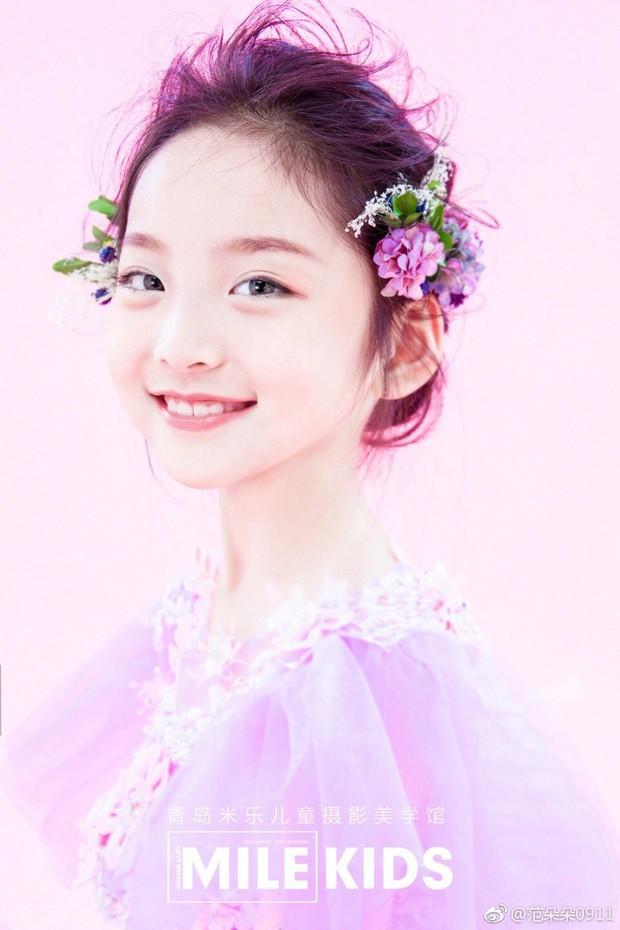 Cô em họ mới 10 tuổi của Phạm Băng Băng: Xinh như thiên sứ, còn thần thái đúng chất hậu sinh khả uý - Ảnh 3.