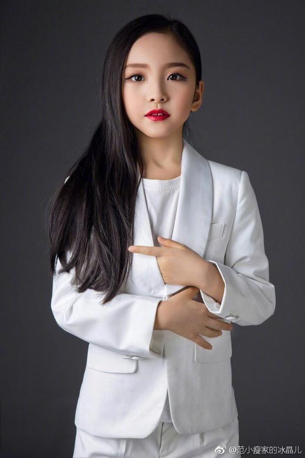 Cô em họ mới 10 tuổi của Phạm Băng Băng: Xinh như thiên sứ, còn thần thái đúng chất hậu sinh khả uý - Ảnh 8.