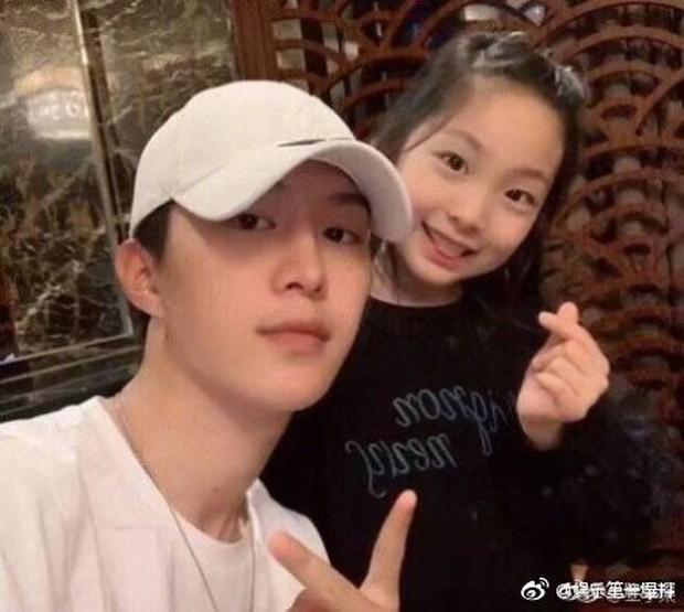 Cô em họ mới 10 tuổi của Phạm Băng Băng: Xinh như thiên sứ, còn thần thái đúng chất hậu sinh khả uý - Ảnh 10.