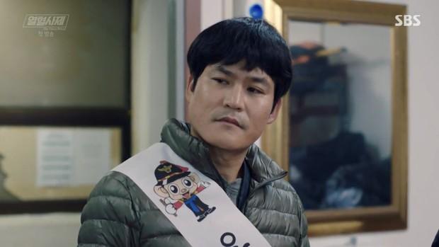 """Ngắm xì tai độc lạ của Hoa hậu đẹp nhất Hàn Quốc trong """"The Fiery Priest"""", đảm bảo đủ vitamin cười cho cả tuần! - Ảnh 18."""