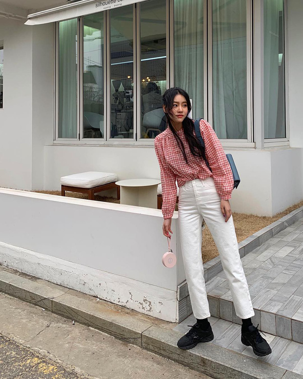 Street style giới trẻ Hàn tuần qua đẹp, chất quá mức quy định, không tham khảo để lên đồ chụp ảnh sống ảo thì hơi phí  - Ảnh 5.
