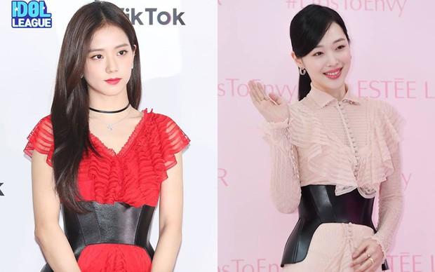 Đẹp bất khả chiến bại như Sulli cũng bị netizen Hàn cho là không bằng Jisoo (Black Pink)  - Ảnh 3.