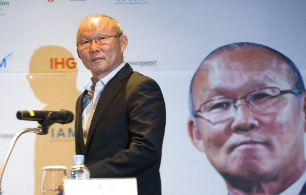 Trận Việt Nam – Malaysia là cột mốc đặc biệt: Tròn 2 năm HLV Park Hang-seo từ người thừa trở thành chữ ký triệu đô - Ảnh 1.